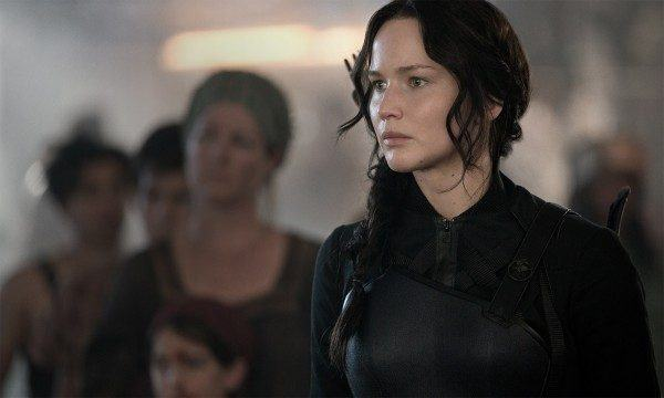 jennifer-lawrence-the-hunger-games-mockingjay-part-1-600x360