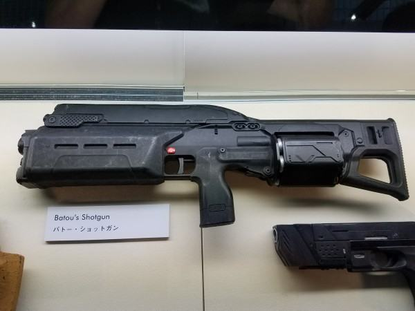 20161114-ghost-in-the-shell-batou-shotgun-prop-600x450-copia