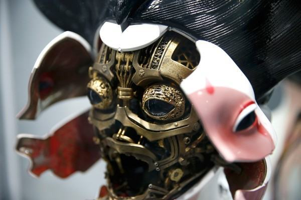 20161114-ghost-in-the-shell-geisha-mask-costume-4-600x400-copia