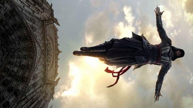 Assassin's Creed | Michael Fassbender dá o Salto da Fé em novo clipe