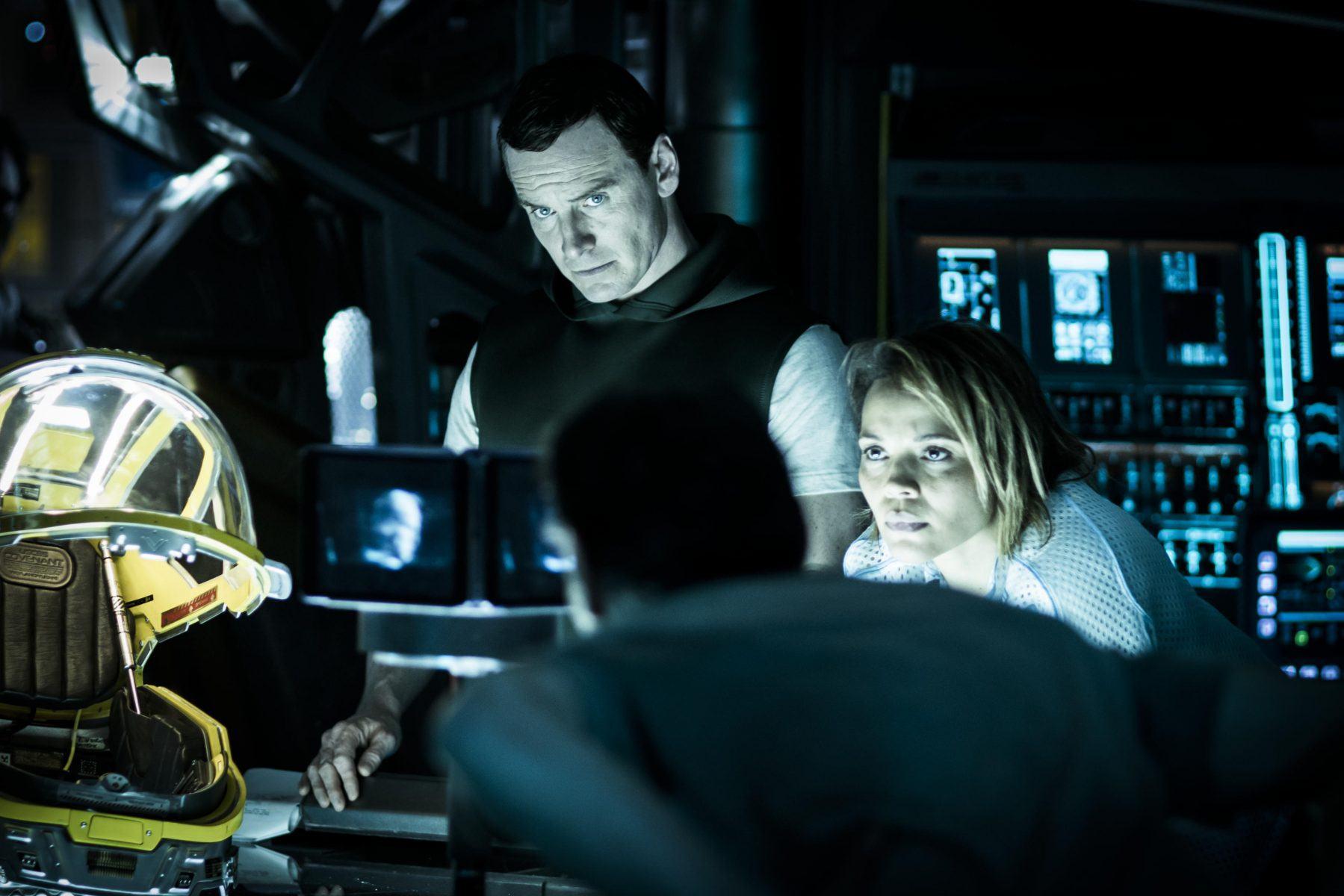 Alien: Covenant | Michael Fassbender e Carmen Ejogo em nova foto do filme